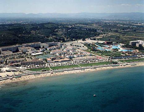 La pineda travel guide holidays in la pineda costa dorada - Sitges tourist information office ...